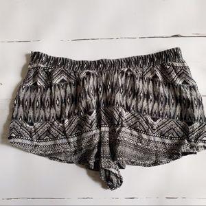 ✨En Creme Boho Shorts